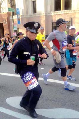 lapd_officer_runs_marathon_in_full_uniform
