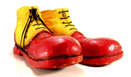 Apbweb_8_19_15_clownshoes
