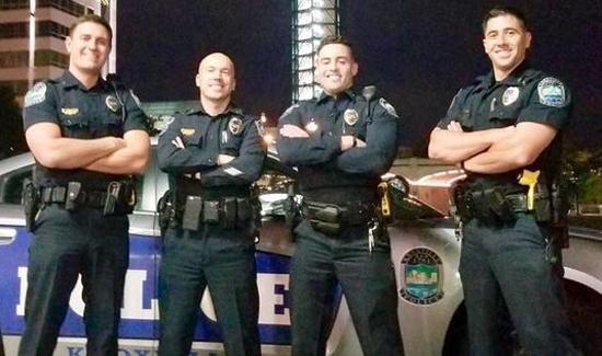 Policias...agentes...FBI (LISTA) - Página 3 Hot-cops-main