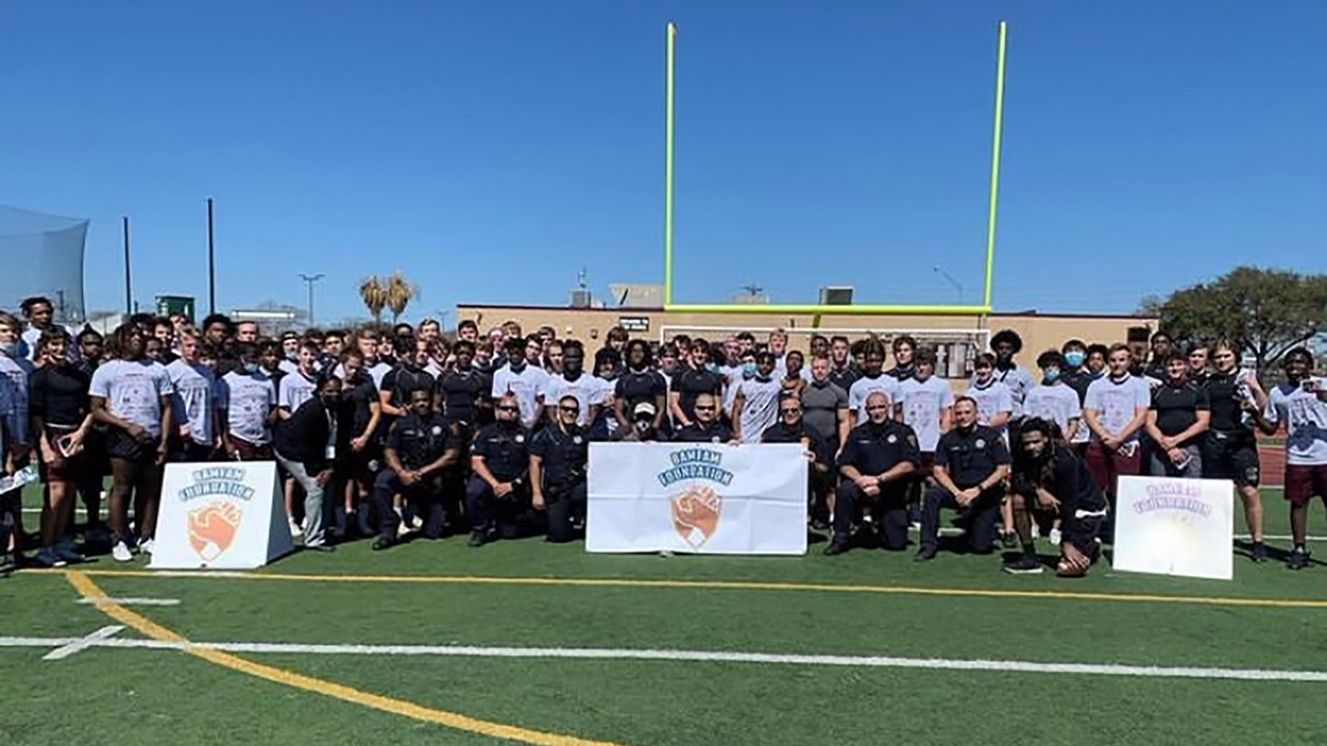 nonprofit-foundation-strengthens-relationships-between-students-and-law-enforcement-1