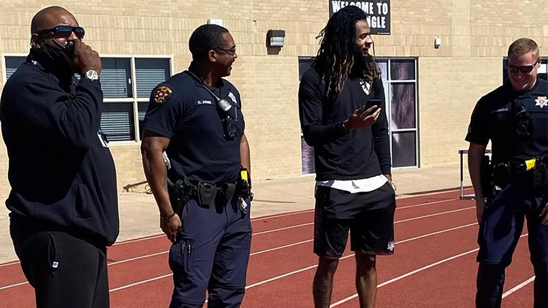 nonprofit-foundation-strengthens-relationships-between-students-and-law-enforcement-4