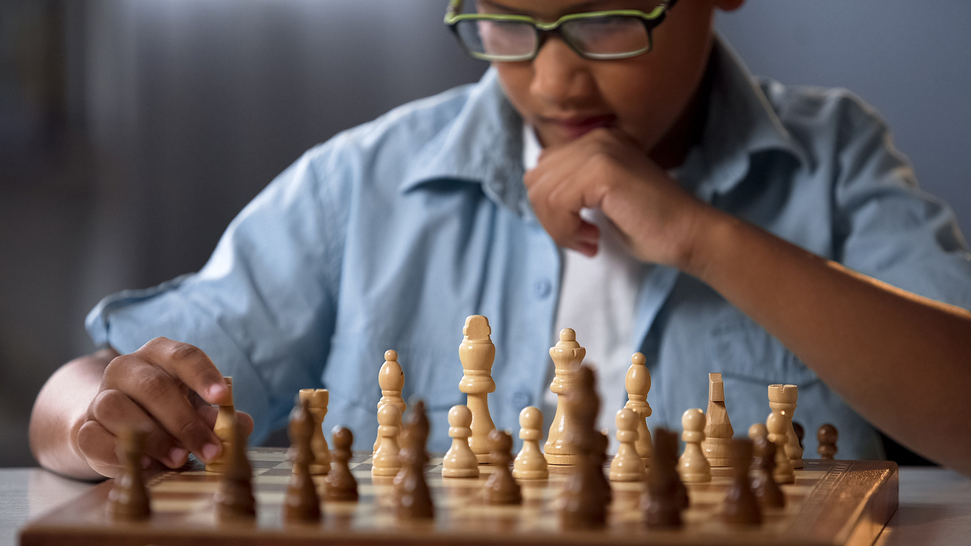 Detroit police nonprofit introduces chess to community youth