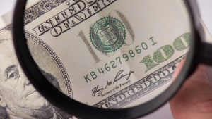 A guy tries to post a $200 dollar bail with counterfeit money, gets sent back to jail