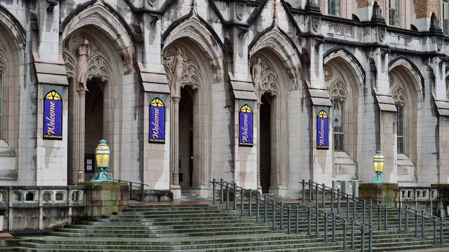 University of Washington campus police officers file lawsuit over claims of racism