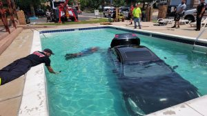"""""""Check out our new Infiniti pool:"""" Police banter over car driving into pool"""